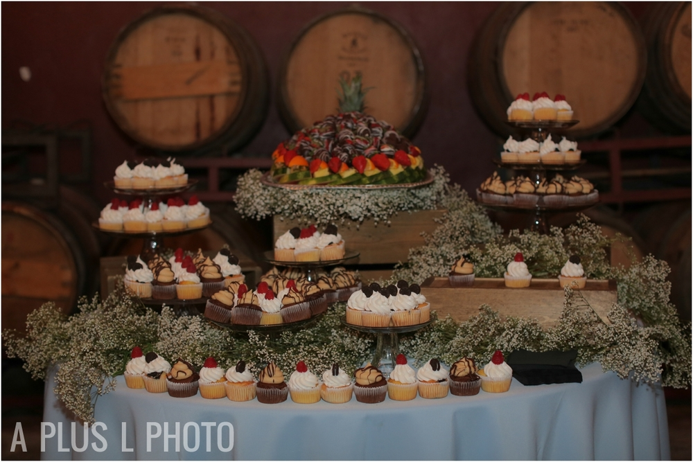 Wedding Dessert Table | Via Vecchia Winery Wedding | A Plus L Photo | Portland, OR Wedding Photographers