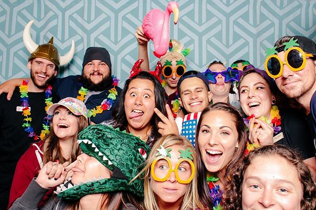 Looking to spice up your party?! Don't forget to book the Red Photo Booth for all your guests! They'lol thank you later 😉