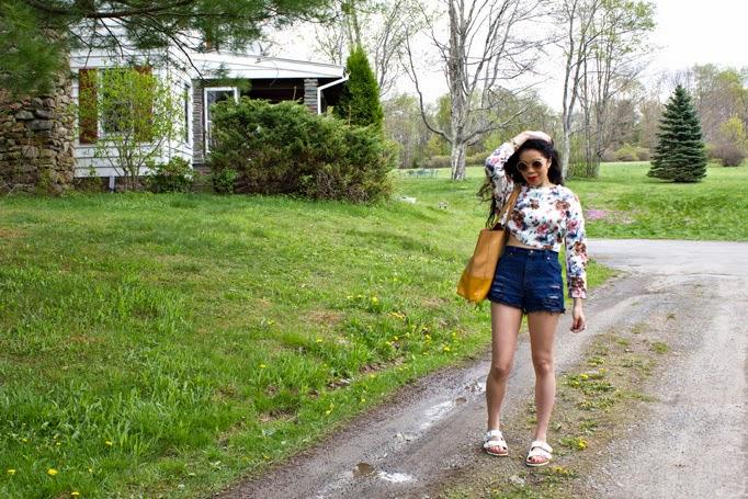 Upstate_TheStyleBoro_NastyGal_Street_Style_Fashion_How_To_Crop_Top_Boyfriend_Jeans_Shorts_Review_Birks_Birkenstocks_0073.jpg
