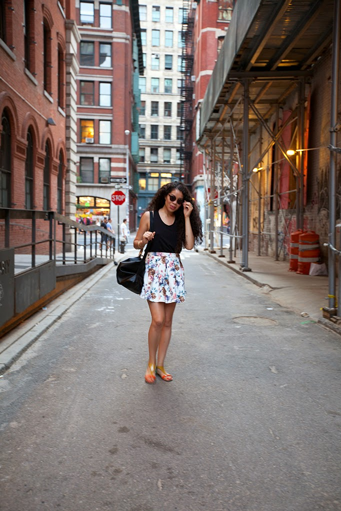 TheStyleBoro_leslunes_streetstyle_nyc_summer_style_fashion_blog_cute_howto_floralskirt_0003.jpg