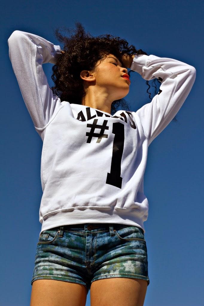 CupcakeMafiaT_thestyleboro_streetstyle_sweatshirt_sweater_outfit_0004.jpg