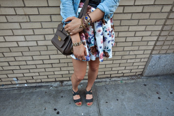 TheStyleBoro_Nastygal_Summer_Fall_Outfits_Howto_CreativeOffice_BearPaw_backtoschool_targetstyle_floralskirt_0005.jpg