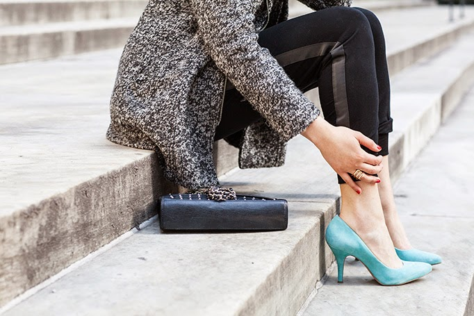 turquoise_suede_heels_spring_outfit.jpg