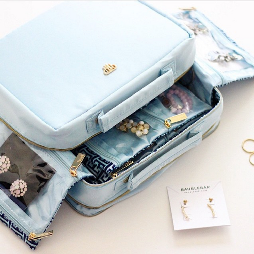 tiara_vacationer_jewelry_case.jpg