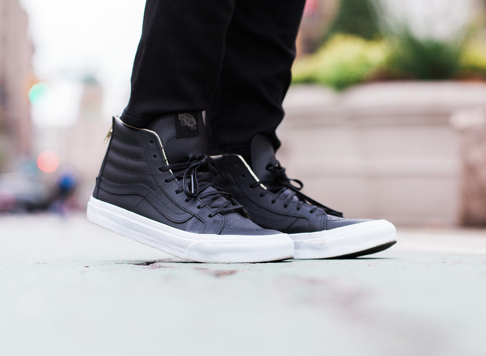 Vans_leather-sk8-hi-slim-zip-black-gold.jpg