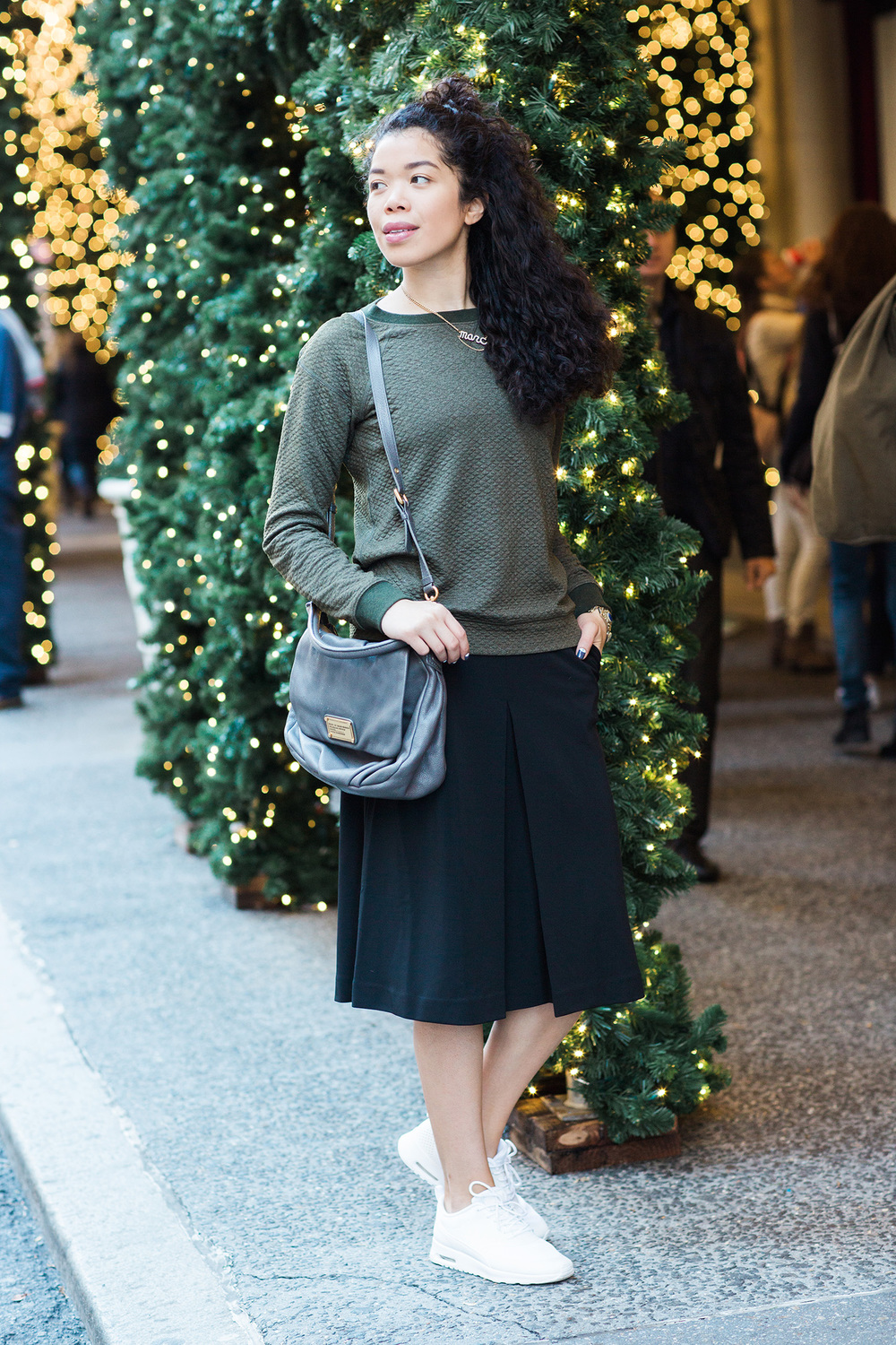 sweater-and-skirt-outfit-ideas.jpg