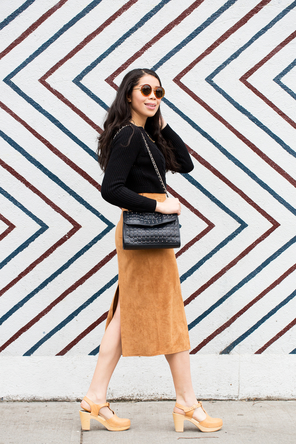 faux_suede_skirt_outfit_ideas.jpg