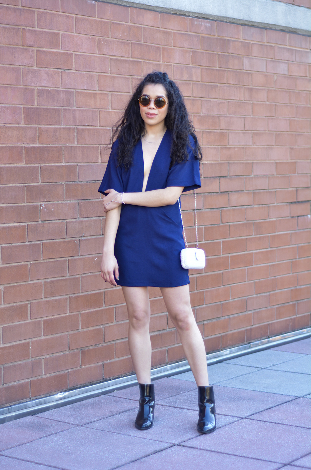 date_night_outfit_blue_shift_dress.jpg