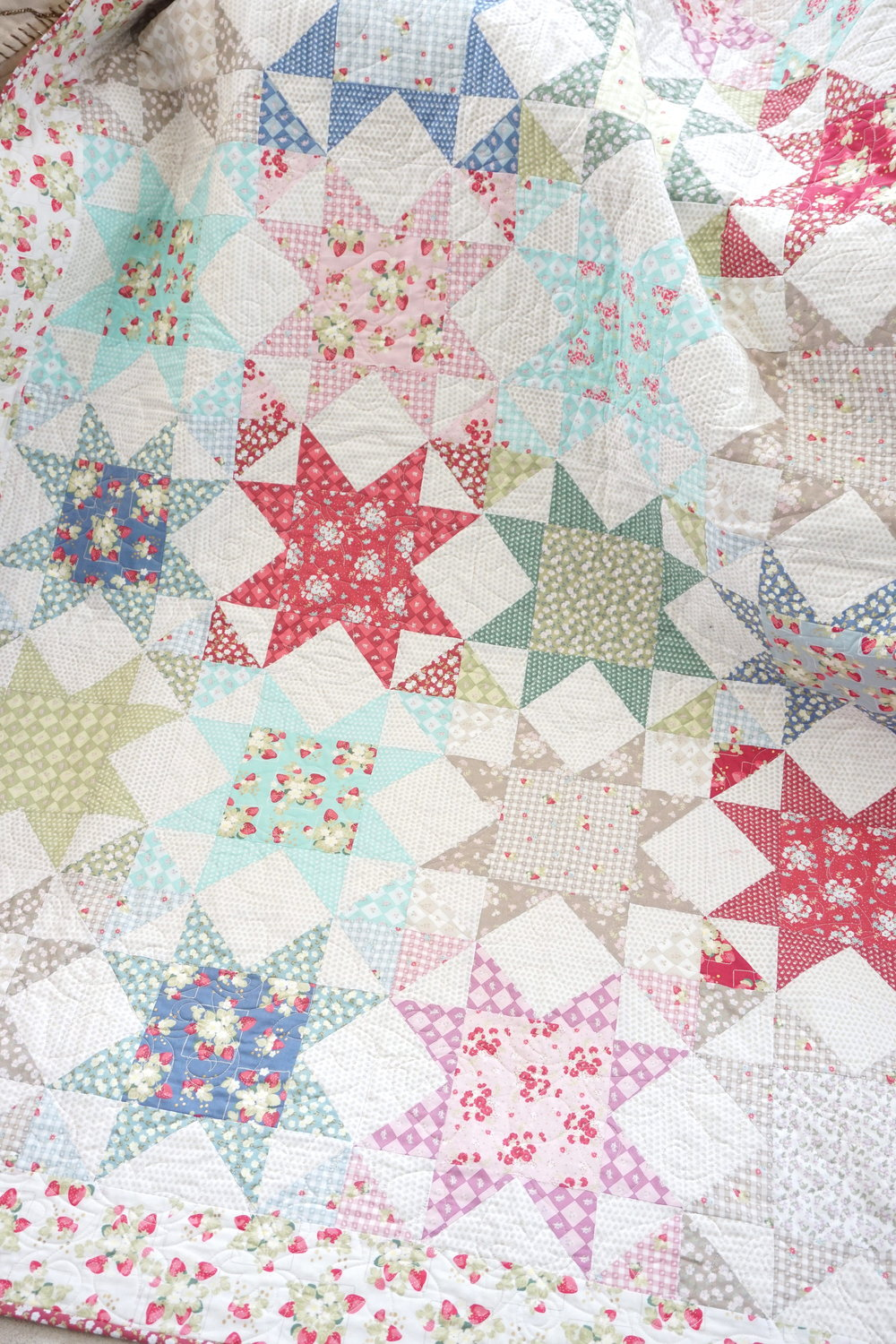 La Conner Stars Quilt by Jera Brandvig of Quilting In The Rain - Photo by Jera Brandvig