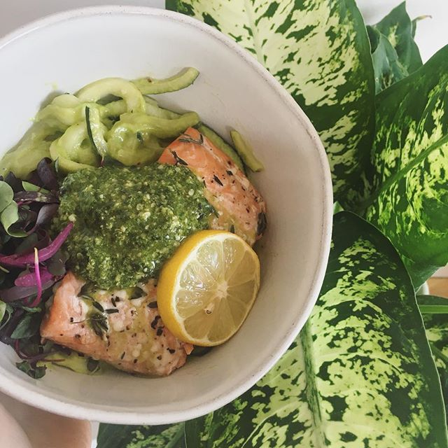 P R O P E R ✧ nutrition. Wild lemony thyme salmon. Zucchini noodles with cheezy avocado sauce.  Micro greens. Homemade basil hemp seed pesto. . Therapeutically made✧ Mindfully eaten✧ Completely energized post meal✧ How meals && food should make one's body F E E L💫 #fitbrittnutrition