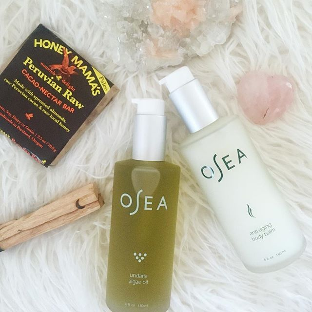 #ad ➳❥Self care Sunday✨MAGIC including:  @oseamalibu nourishing + organic anti aging body balm {hydrates + firms skin} && undaria algae oil {an organic seaweed + botanical-based body oil}. My go-to full body products that I use daily after bathing . intention setting for the week x space clearing x  a cozy elixir x @honeymamas x ➳❥➳❥➳❥ . What self care acts can you implement into your own world for a d e e p e r connection to self && for MORE nourishment?✨ #oseamalibu  #fitbrittnutrition