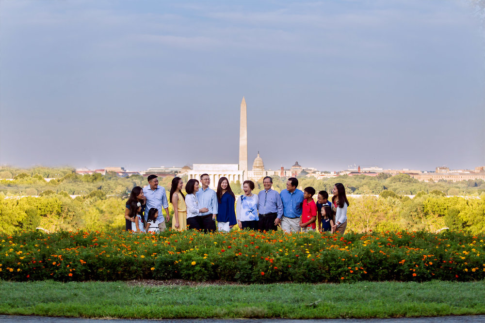Washington DC Family photographer, Washington DC Photographer, Three generations, big family, extended family photographer