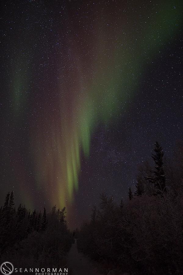 vee-lake-aurora-northern-lights-in-yellowknife-1.jpg