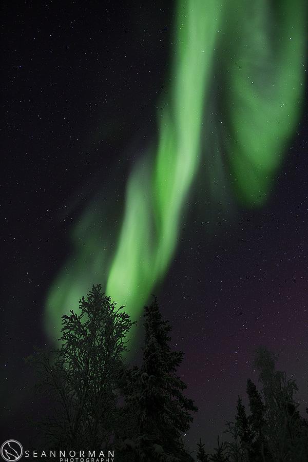 vee-lake-aurora-northern-lights-in-yellowknife-14.jpg