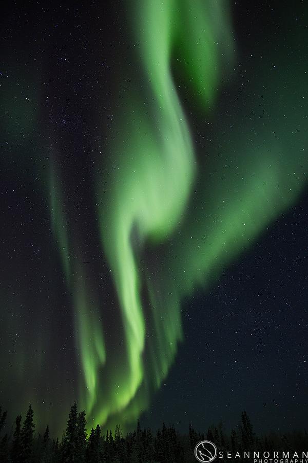vee-lake-aurora-northern-lights-in-yellowknife-16.jpg