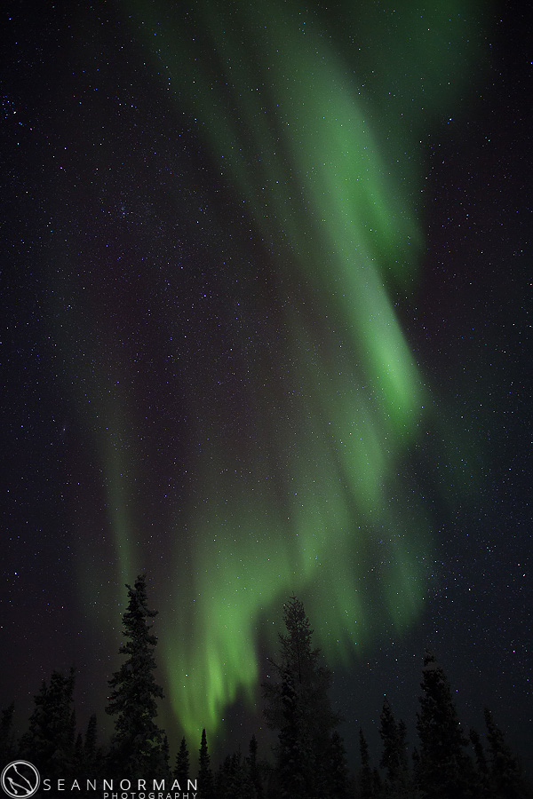 vee-lake-aurora-northern-lights-in-yellowknife-8.jpg
