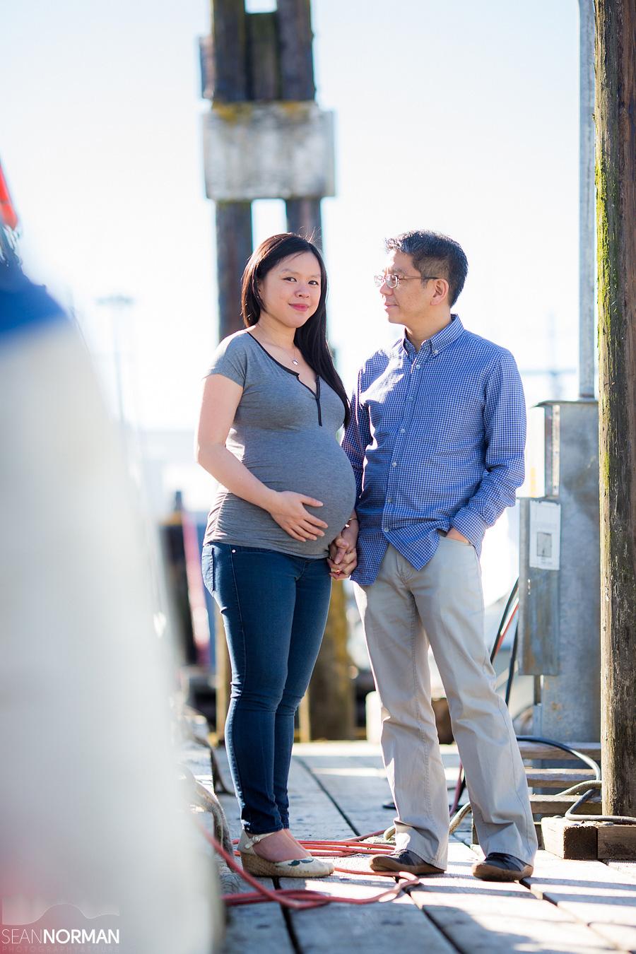 Jenn & Jeff - Steveston Maternity Images - 11.jpg