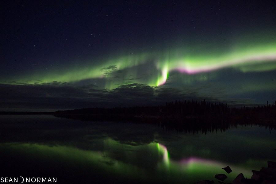 Sean's Guesthouse - Yellowknife Bed & Breakfast - Northern Light Tours Yellowknife - October Aurora - 2.jpg