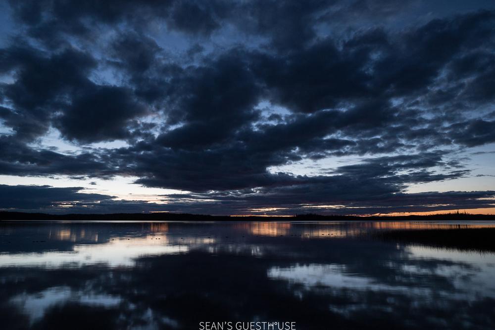 Yellowknife Northern Lights Tours - Sean's Guesthouse - B&B Accommodation - August Aurora - 1.jpg