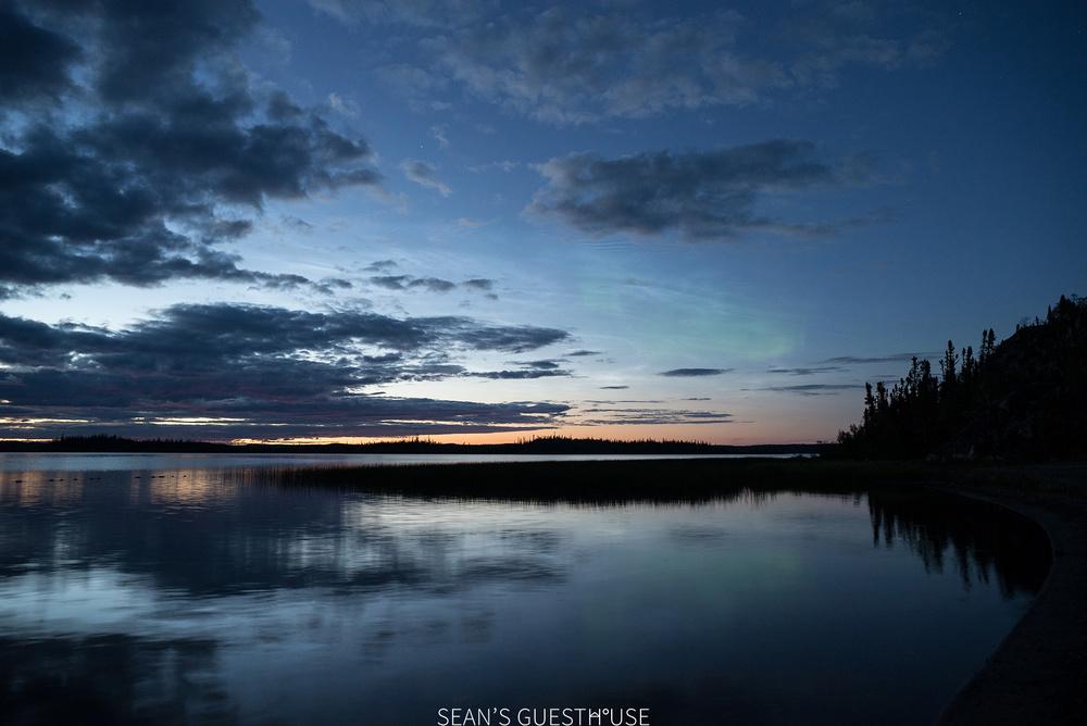 Yellowknife Northern Lights Tours - Sean's Guesthouse - B&B Accommodation - August Aurora - 4.jpg