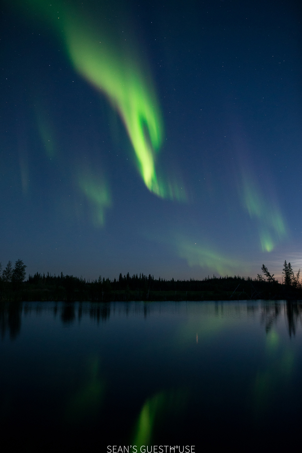 Sean's Guesthouse - Yellowknife Northern Lights Tour - August Aurora - 7.jpg