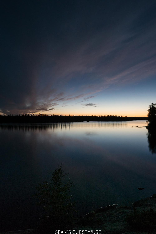 Sean's Guesthouse - Yellowknife Northern Lights Autumn - 4.jpg