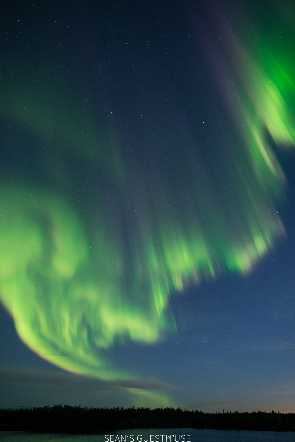 Sean's Guesthouse - Yellowknife Northern Lights and Perseid Meteor Shower - 10.jpg