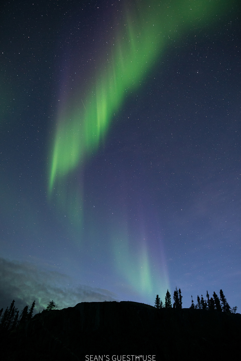 Sean's Guesthouse - Autumn Northern Lights Tour Yellowknife - 4.jpg