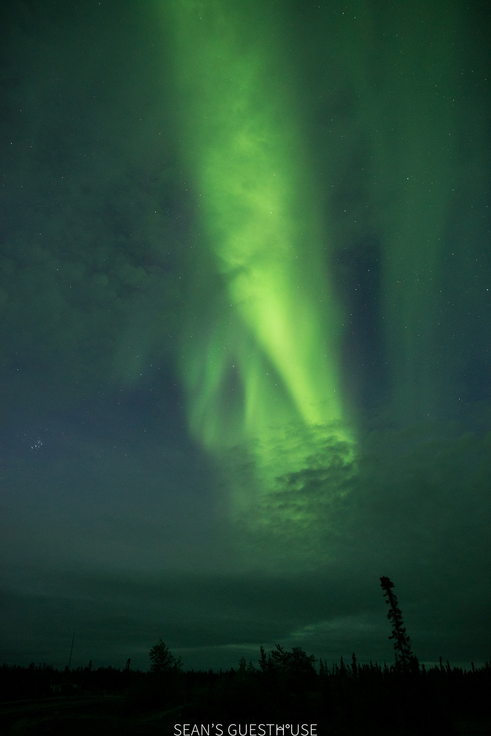 Sean's Guesthouse - Autumn Northern Lights Tour Yellowknife - 5.jpg