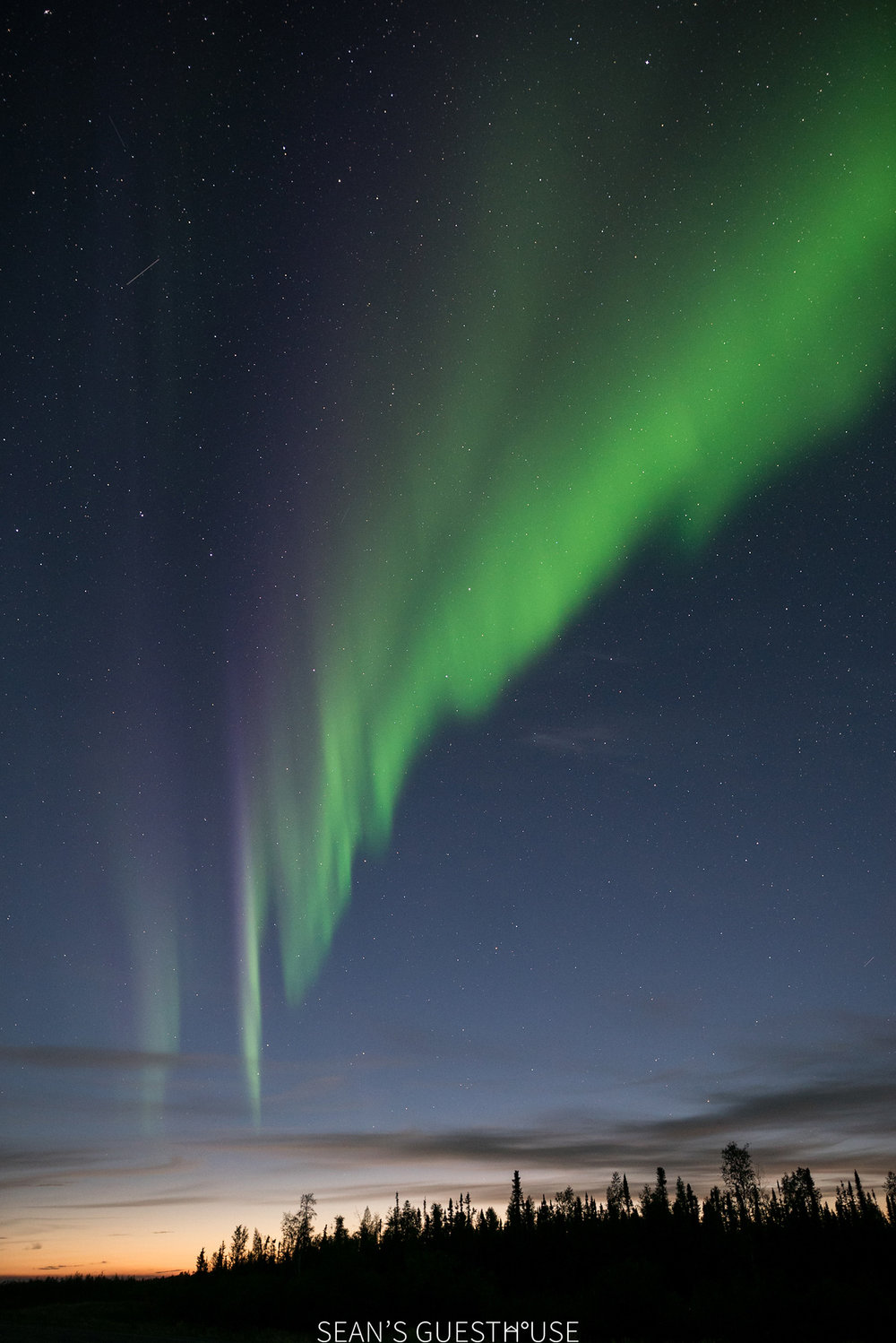 Sean's Guesthouse - Northern Lights Colours Yellowknife - 1.jpg