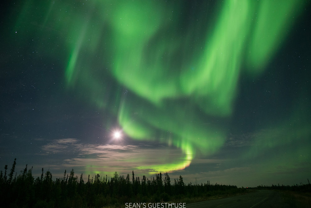 Sean's Guesthouse - Northern Lights Colours Yellowknife - 4.jpg