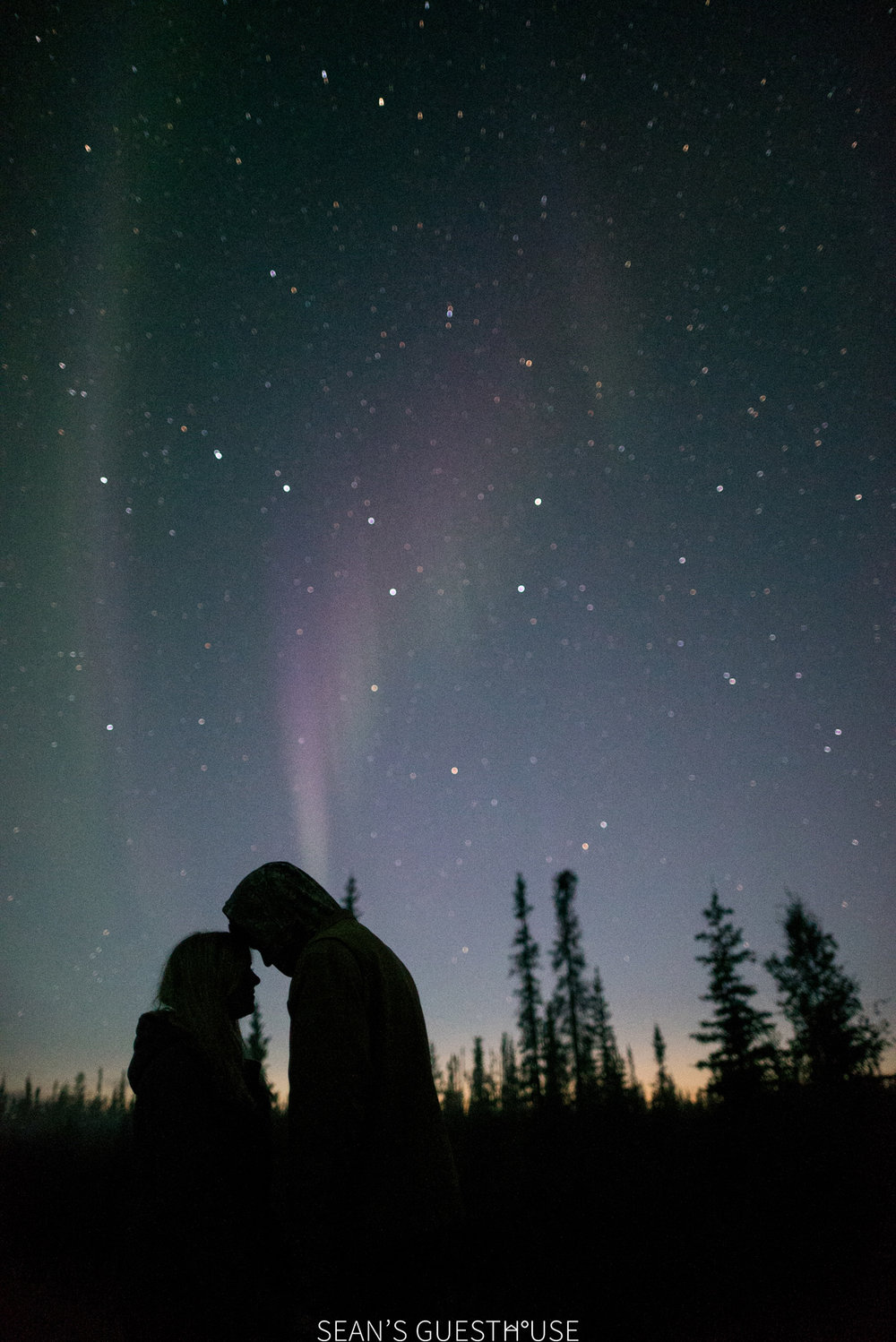 Sean's Guesthouse Blog - Northern Lights and Lightning Yellowknife - 3.jpg