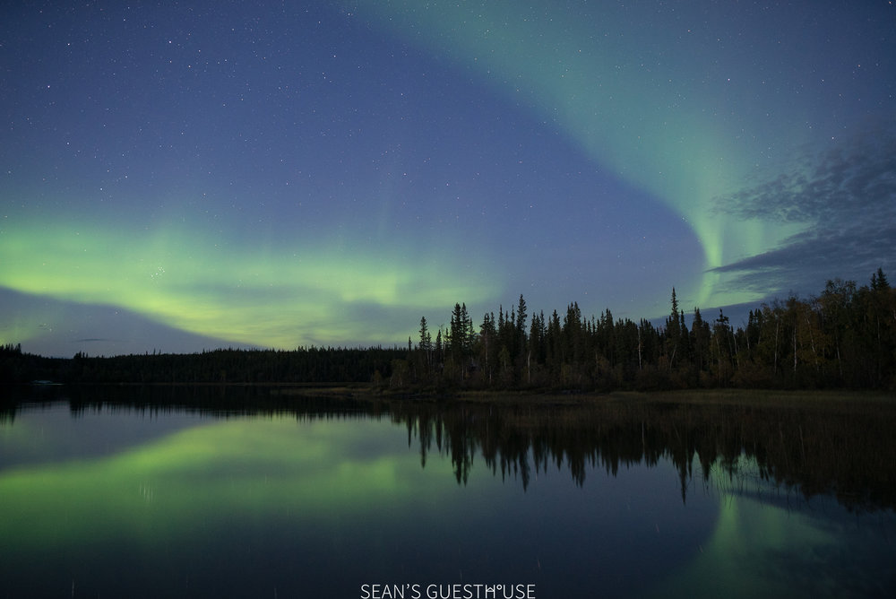 Sean's Guesthouse - Northern Lights Tour Yellowknife - 1.jpg