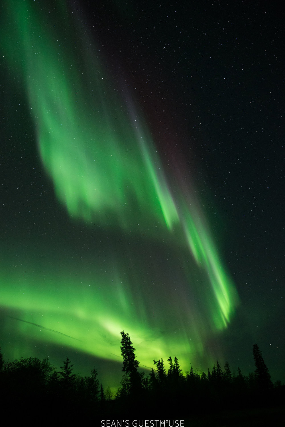 Sean's Guesthouse - Northern Lights Tour Yellowknife - 4.jpg
