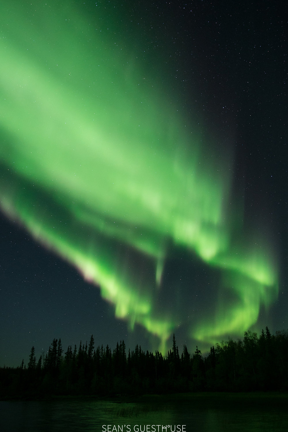 Sean's Guesthouse - Yellowknife Northern Lights Tour - 1.jpg