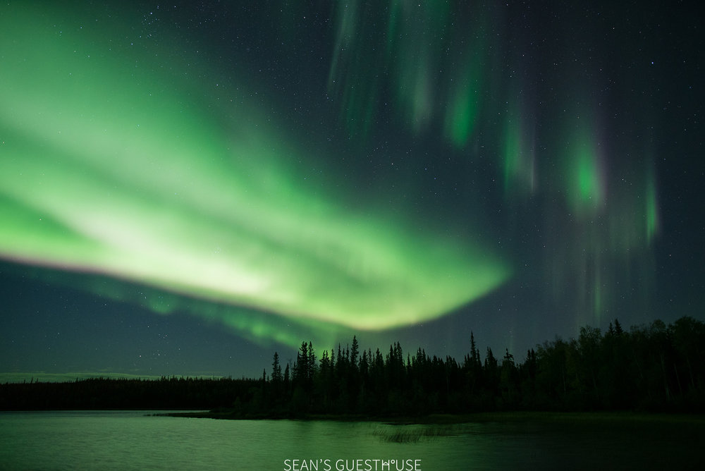 Sean's Guesthouse - Yellowknife Northern Lights Tour - 2.jpg
