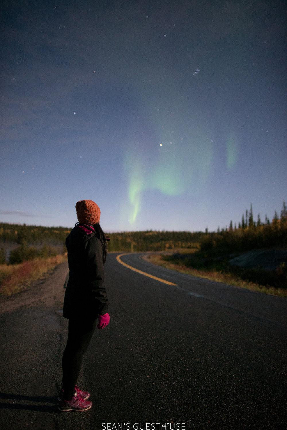Sean's Guesthouse - Northern Lights Full Moon - 2.jpg