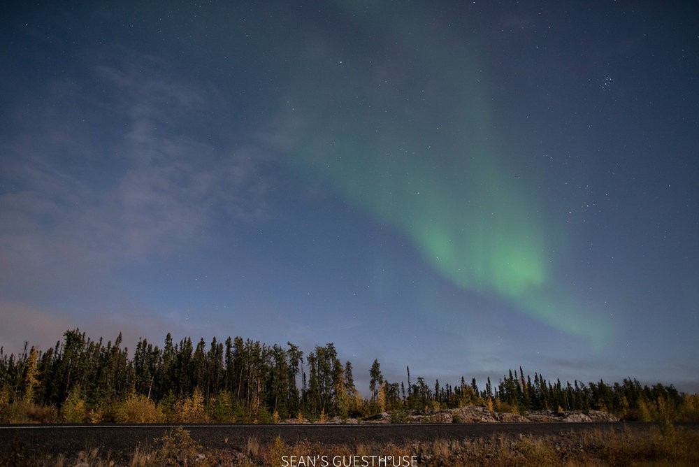 Sean's Guesthouse - Northern Lights Full Moon - 3.jpg
