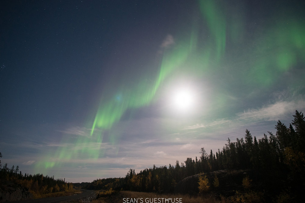 Sean's Guesthouse - Yellowknife Northern Lights Viewing - 1.jpg