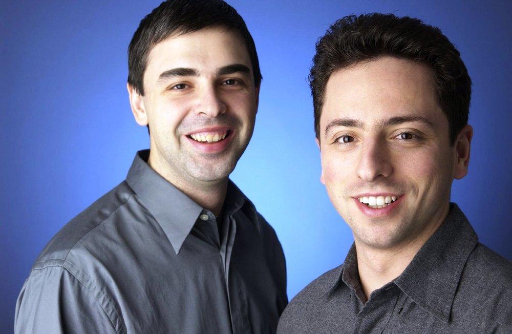 구글의 창업자인 레리 페이지와 세르게이 브린은 스탠포드 대학교 박사 과정 중 구글 검색을 만들었다. 그들 스스로가 프로그래머였기 때문에 프로그래머 중심의 문화는 구글 깊숙이 자리 잡고 있고 회사가 성장한 이후에도 이러한 조직 문화는 잘 보존되고 있다. 이는 실리콘밸리의 소프트웨어 벤처회사들의 공통된 특징이기도 하다.