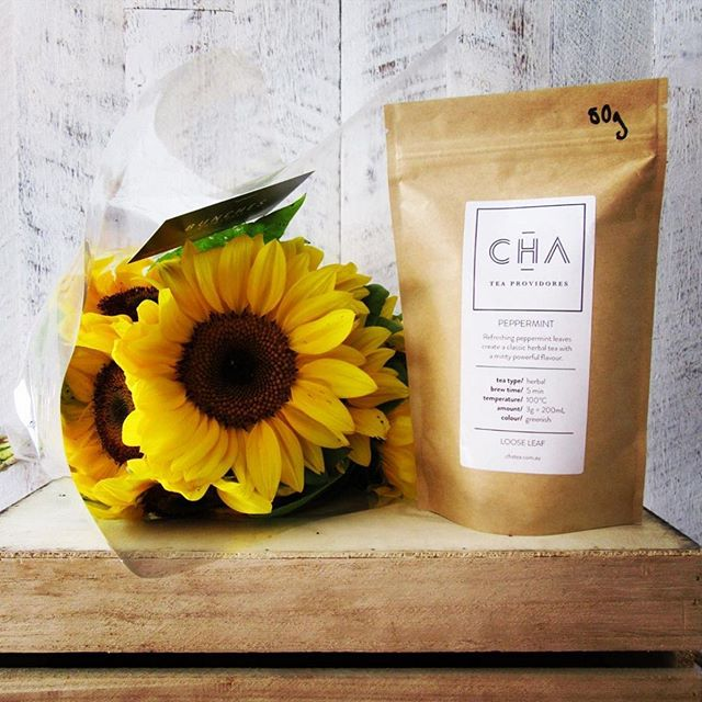 @chateaprovidores are running weekly competitions! This week's prize is a glorious bunch of flowers from @bunchesgoldcoast, a 50g bag of loose leaf tea (your choice 😉) and a surprise envelope of thanks-yous 🌻 To enter, follow Cha's page, like their post, tag a friend and ask them to do the same. EASY! #The4217