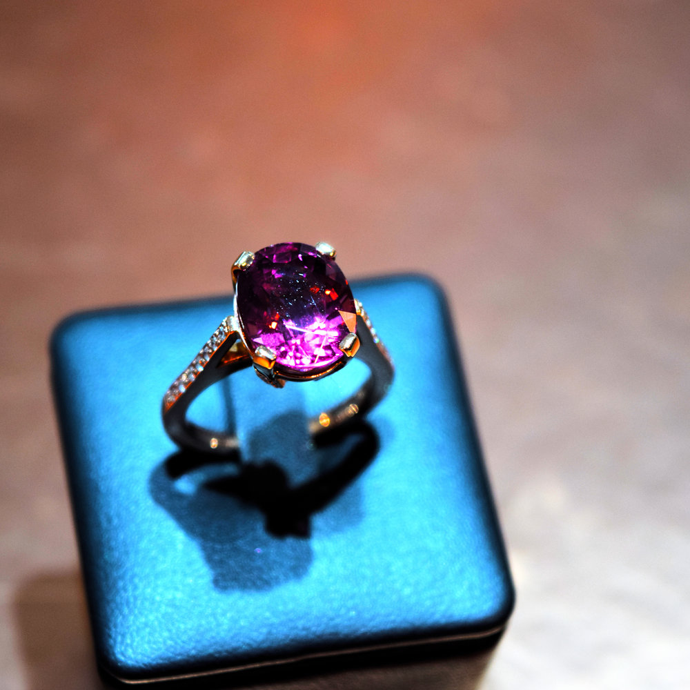 Pink tourmaline ring in rose gold with diamonds