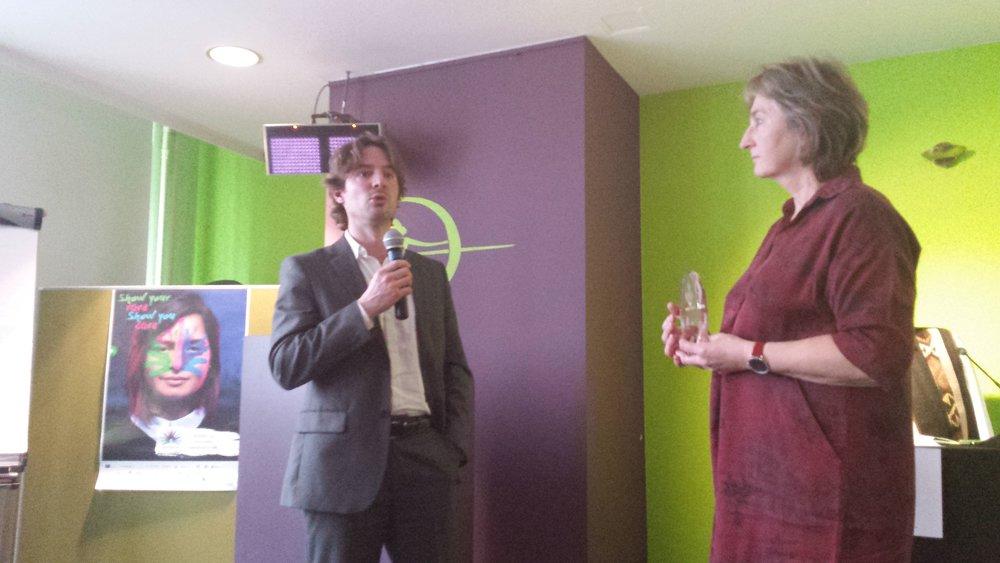 Voorzitter Ingrid Jageneau en de winnaar van de Edelweiss-award 2018 Romain Alderweireldt