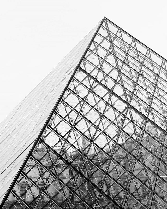 A hungover day in Paris . . . . . #pyramid #glass #structure #architecture #bw #louvre #museum #art #culture #lines #Paris #travel