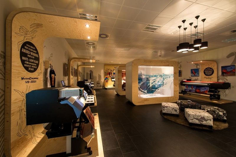 Roland shows examples of creative industrial print at their Demo Centre in Belgium