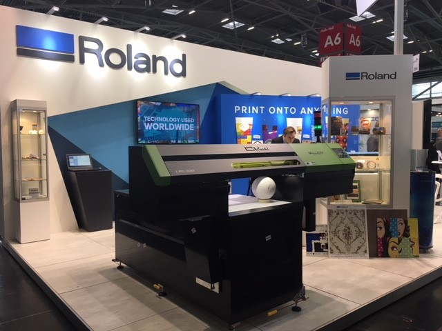 The new VersaUV S-Series printer on the Roland DG booth at InPrint, Munich