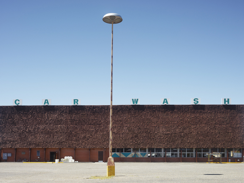 CAR WASH, ALBUQUERQUE, NEW MEXICO  ARCHIVAL PIGMENT PRINT  ED.: 7  85.5 x 108.5 CM / 33 2/3 x 42 3/4 IN