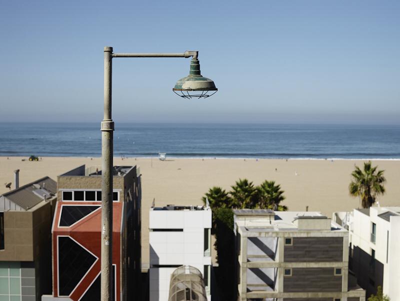 JOSEF HOFLEHNER  OCEAN FRONT, SANTA MONICA, CALIFORNIA  ARCHIVAL PIGMENT PRINT  ED.: 9  113.5 x 144.5 CM / 44 2/3 x 57 IN