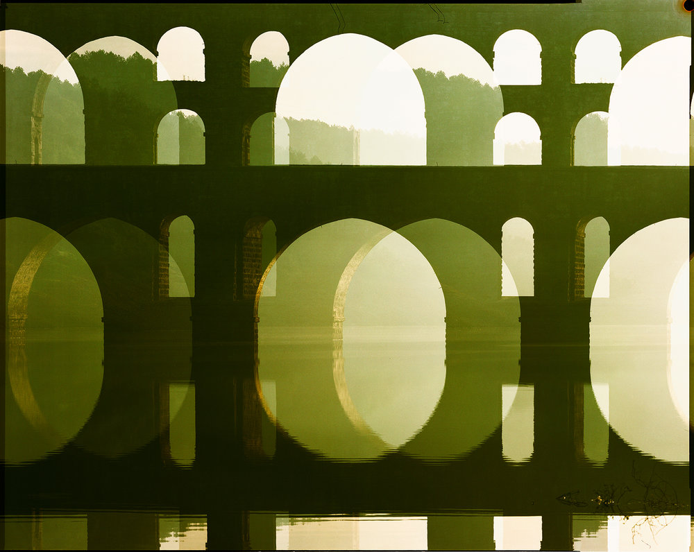 _Aqueduct I 143x170cm KLEINER (Schatten Fuge).jpg