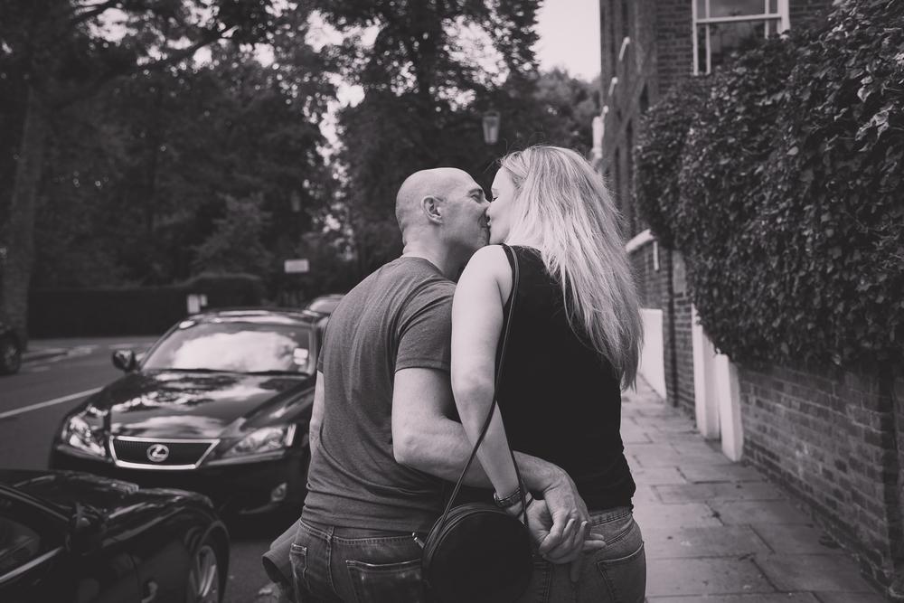 caroline-notting-hill-london-engagement-session-hampshire-wedding-photographer-2.jpg